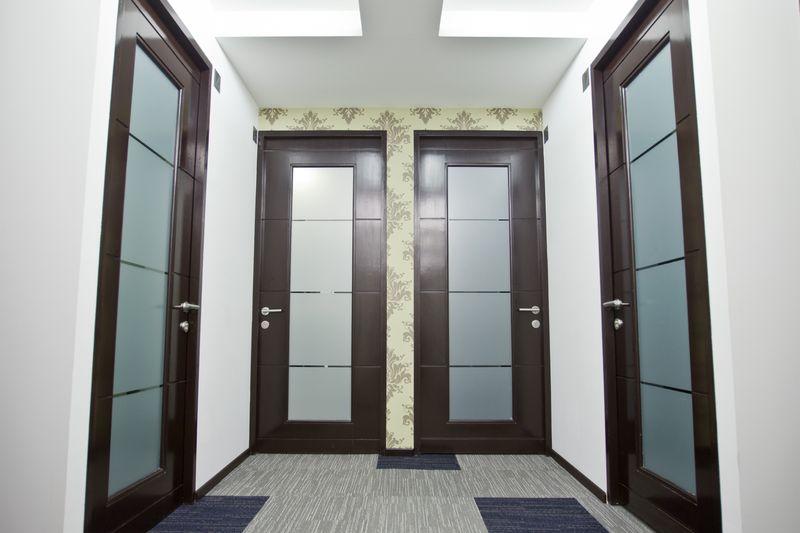 Oficinas ejecutivas circulo condesa for Puertas para oficinas precios